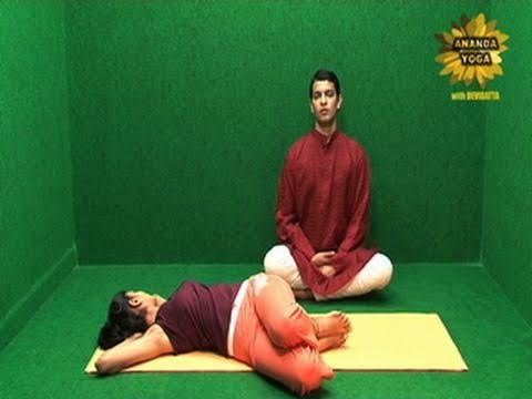 Reduce Fat from the Waist with Uttana Vakrasana
