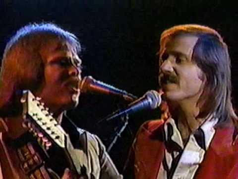 "ENGLAND DAN & JOHN FORD COLEY-(LIVE)""IT'S SAD TO BELONG""(LYRICS)"