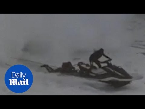 Surfer suffers epic wipeout that results in a jet ski rescue! Mp3