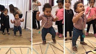 満面の笑みで大喜び!初めて歩くことに成功した赤ちゃんのリアクションが可愛すぎる