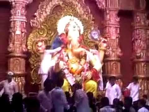 lalbagh cha raja mumbai,latest video on 19-sep-2012 . Pradeep Hegde Haladi . Travel Video
