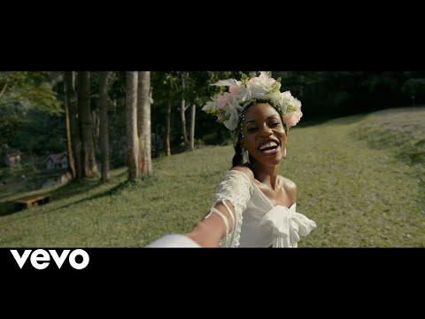 Vinka - Love Panic (Official Music Video)
