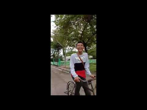 Orang Naik Sepeda Ontel Lucu Youtube