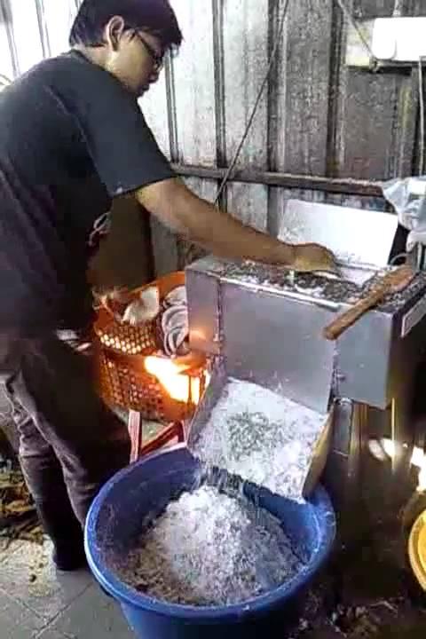 coconut grating machine
