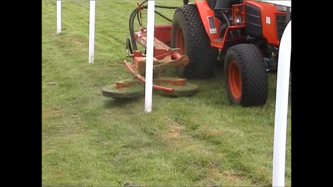 Autoguide Star Strimmer at Salisbury racecourse - YouTube