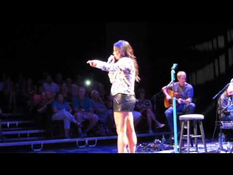 Sara Evans performing Cheatin' at the 2013 fan club party