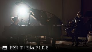 Смотреть клип Exit Empire - Ignore Me | Acoustic