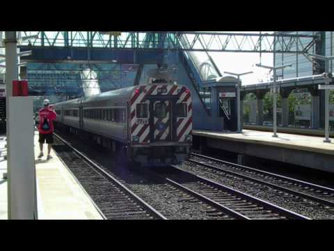 MNCRR/Amtrak: Train Action at Stamford Station