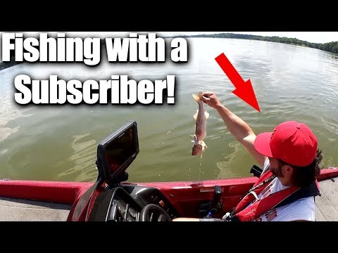 Can I catch MORE FISH from a Boat? Fishing with a SUBSCRIBER!!