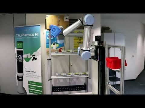 Application example: UR robot + igus® drylin ZLW 7th axis.