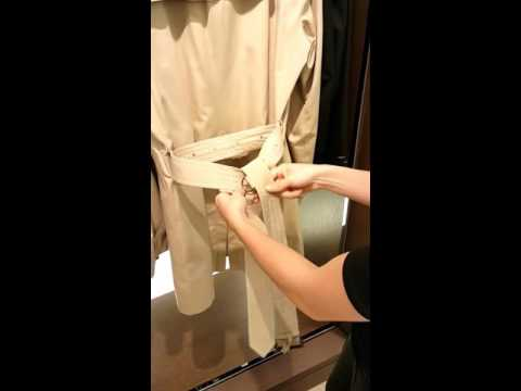How to tie Burberry Trench