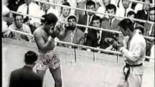 Muay Thai VS Karate  น็อก By  สมาน-ศ.อดิสร