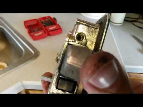 this-old-trailer-~fixing-an-rv-door-latch/lockset-~repair-or-replace-your-rv-door-handle