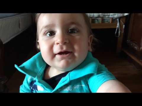 поющий малыш