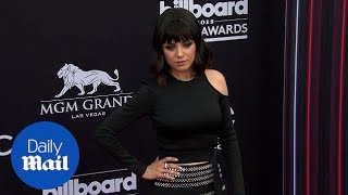 Back in black! Mila Kunis debuts bangs at 2018 Billboards - Daily Mail
