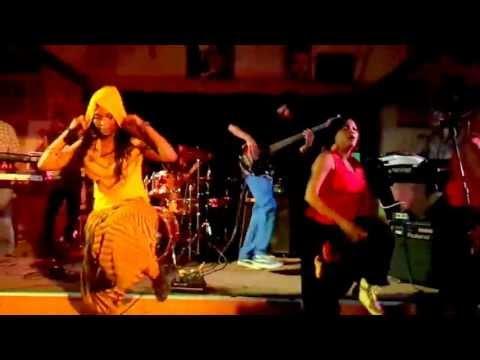 Nkulee Dube (daughter of Lucky Dube) performing live at Ashkenaz Berkeley, CA- July 19, 2013 (3)