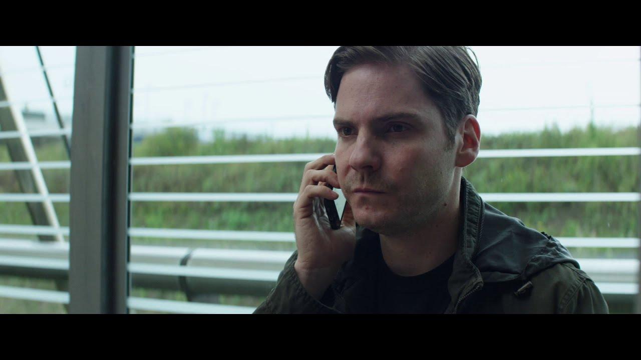 Captain America : Civil War - Scène coupée : Zemo rencontre le Docteur Broussard