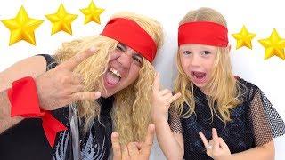 Download Настя и папа играют в шоу талантов с музыкальными инструментами Mp3 and Videos
