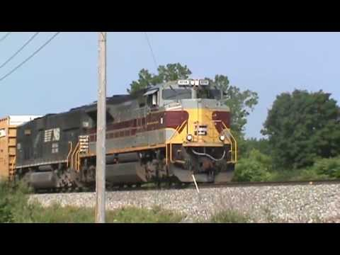 NS Lackawanna Heritage Unit on Train 1074