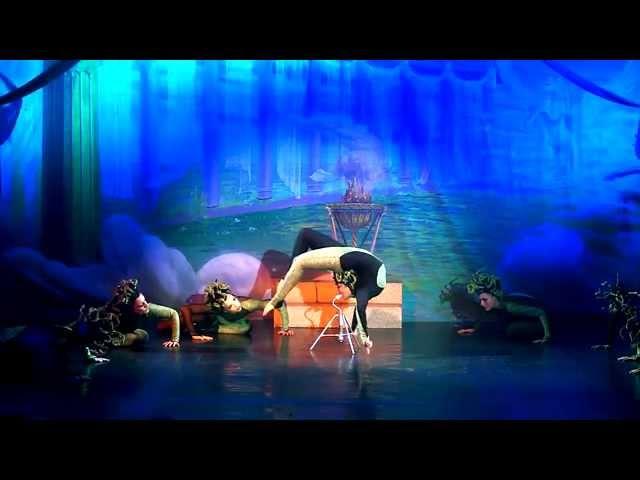 Liu Xin performing in Medusa