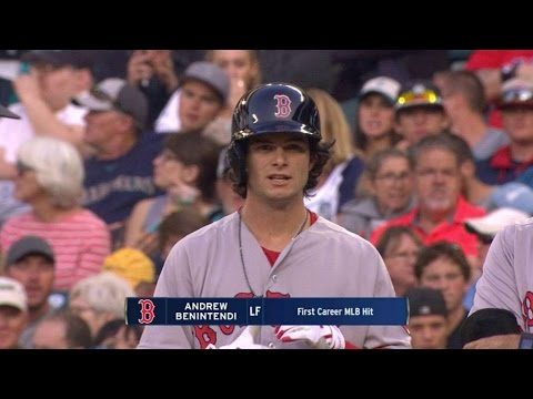 BOS@SEA: Benintendi singles to left for first MLB hit