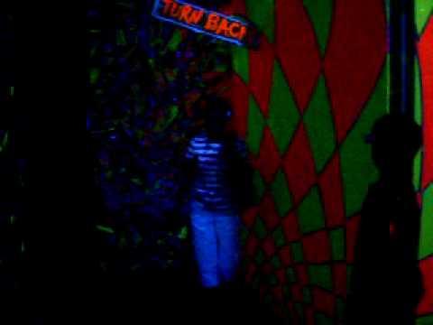 Traveling Through The Black Light 3D Maze