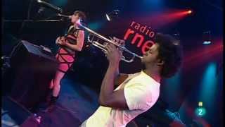 AMUM ANDADAD (la herida) - Le Parody en los conciertos de Radio 3