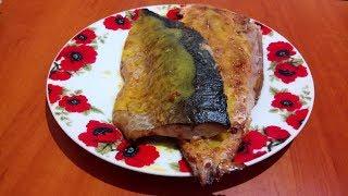 Запеченная скумбрия с чесноком и паприкой под горчичным соусом
