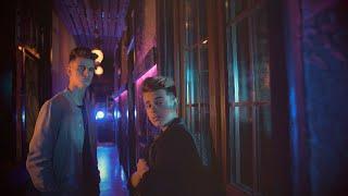 Смотреть клип Adexe & Nau - Muy Lento