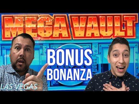 MEGA VAULT 🎰🔨 Did our bonus break the machine?