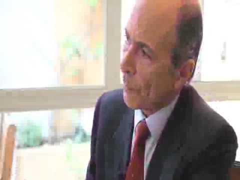 Crónica economica charla sobre «Economía de los no economistas» con Carlos R.Braun