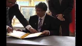 Signing of Agreements 9/17/2014