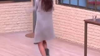 Berna Keklikler Dans Ederse