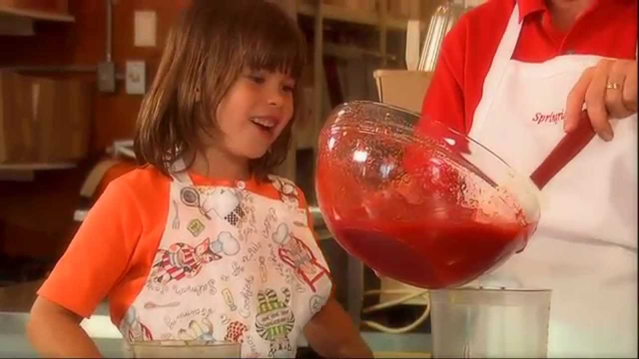 This Is Emily Yeung Making Strawberry Jam - YouTube