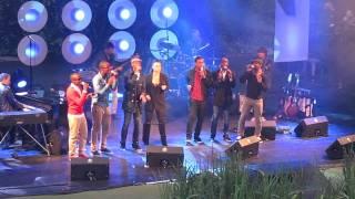 03  Trijntje Oosterhuis   De zee live in Bloemendaal