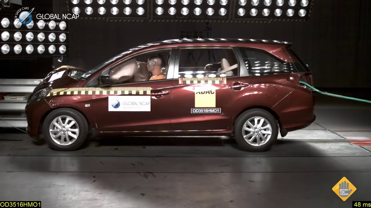 Honda Mobilio Crash Test Youtube