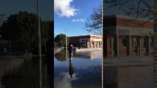 Water skiing on St  John's and Pierrefonds boulevard