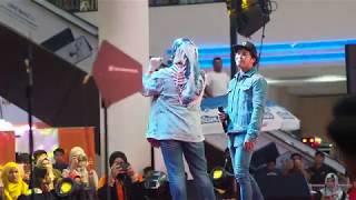 Download Mp3 Angsana Johor Bahru Mall : Takdir Tercipta - Hafiz & Adira #hotfmjamtour