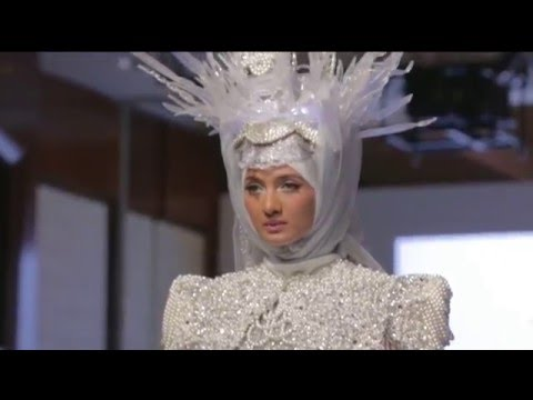 "Anniesa Hasibuan Present ""PEARLASIA"" at Couture New York Fashion Week 2016"