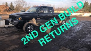 Zapętlaj THE 2ND GEN PROJECT CUMMINS BUILD RETURNS! | Cummins Kyle