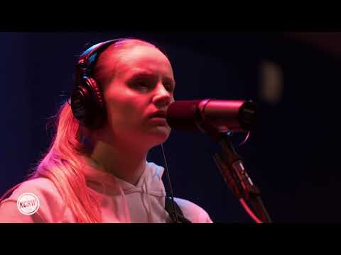 "Charlotte Day Wilson Performing ""Nothing New"" Live on KCRW"