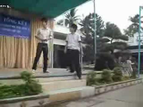 Huu Huan ( Ba Thằng Bạn ).flv