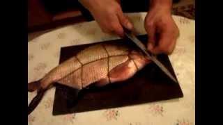 Как перевезать рыбу для горячего копчения(Перевязка рыбы для копчения http://mediasmak.ru/, 2012-03-13T19:26:34.000Z)