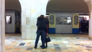 Пизрак в московском метро! Авиамоторная(, 2013-02-20T12:26:45.000Z)