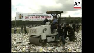 Police destroy pirate CDs