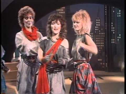 Dolly Dots - Don't Give Up (1983, sound remastered, HQ)