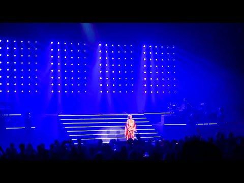 Christina Aguilera - Beautiful Live @ Radio City Music Hall, New York (2018)