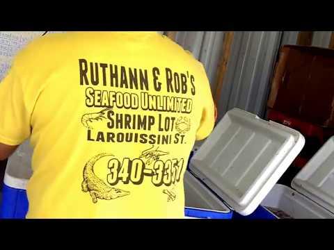 Shopping at Ruthann & Robs Seafood Unlimited Westwego Louisiana.