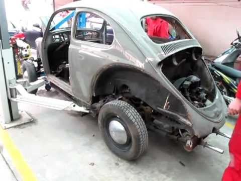 1962 VW Käfer body removal