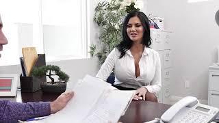 Jasmine jae trying to seduce her boss